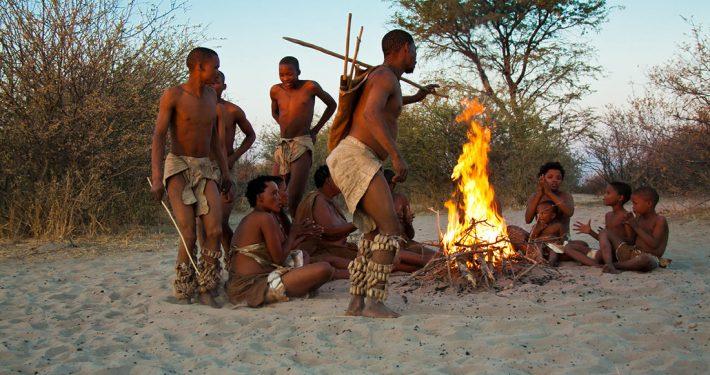 Miembros de la etnia San