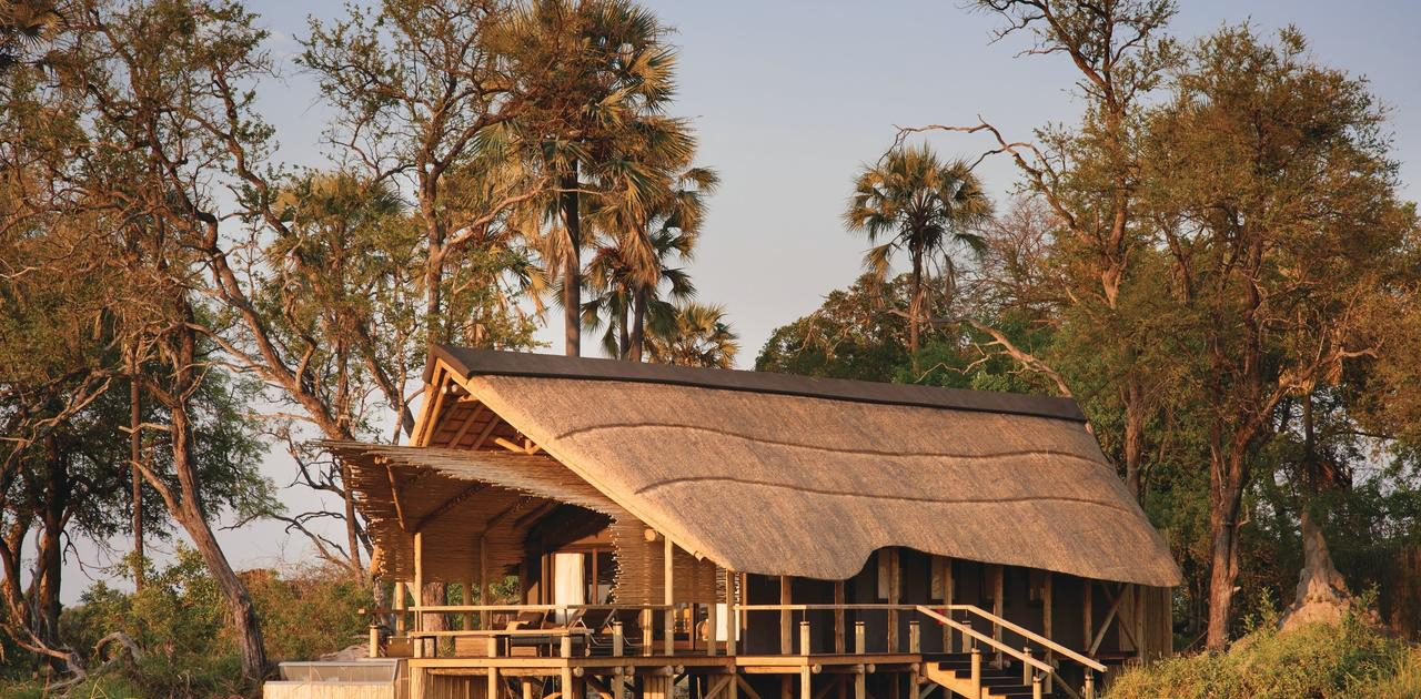 Eagle Island Lodge