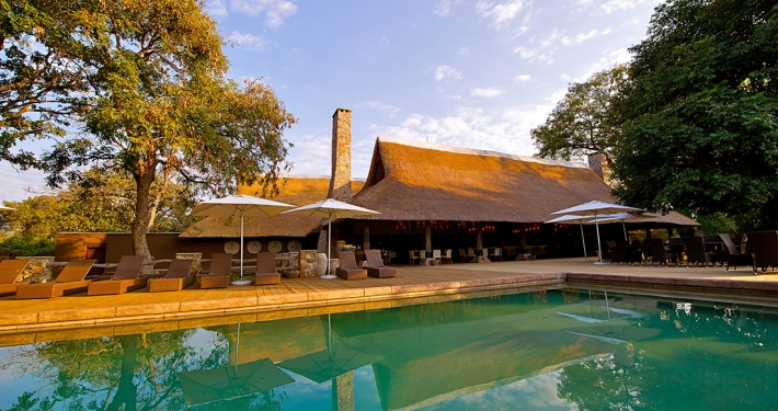 Mfuwe Lodge, piscina