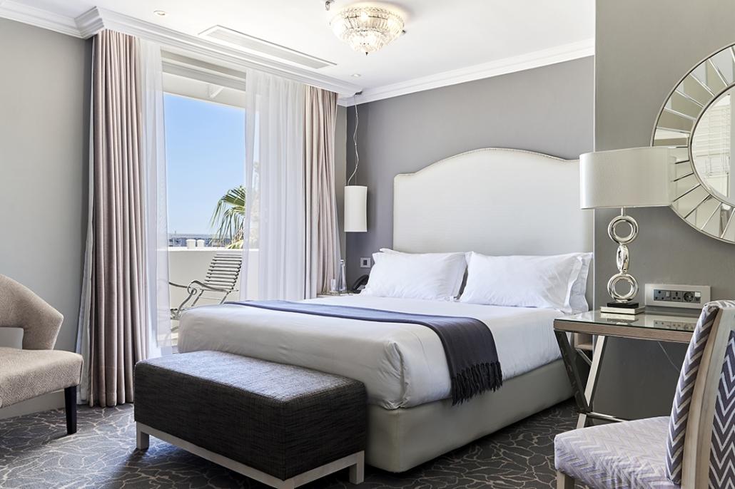 Queen Victoria Hotel Room
