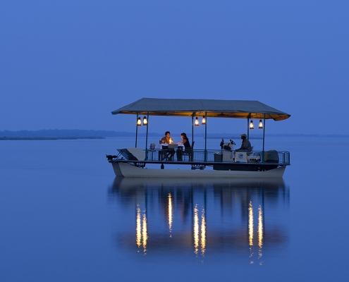 Lancha en el Zambezi