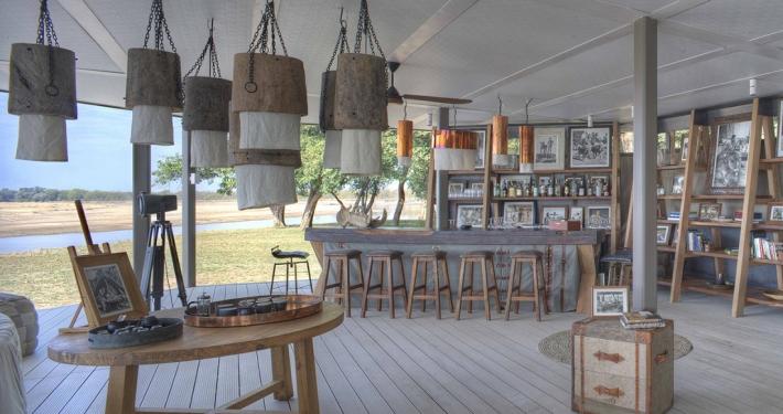 Bar en Time + Tide Chinzombo