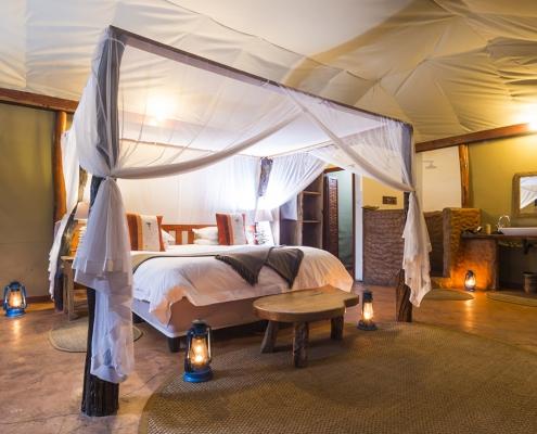 Interior de chalet - Mukambi Safari Lodge