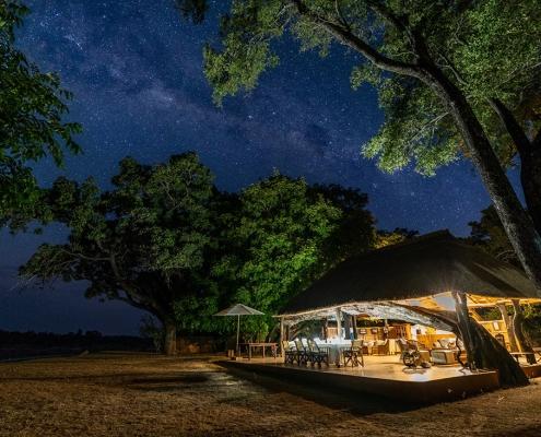 Cielo estrellado sobre Time + Tide Mchenja