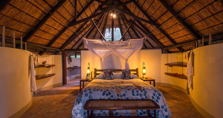 Interior tienda Nkwali Camp