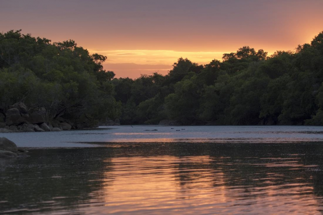 Reflejos en el río Kafue - 2 días en Kaingu